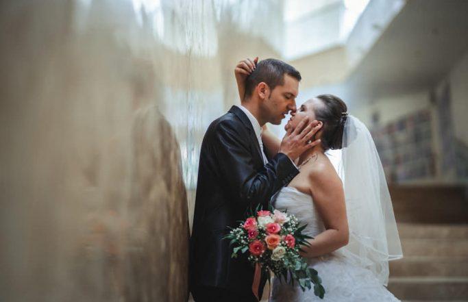 Beltéri esküvői fotózás Pécs – Hogyan készüljünk az esős napra